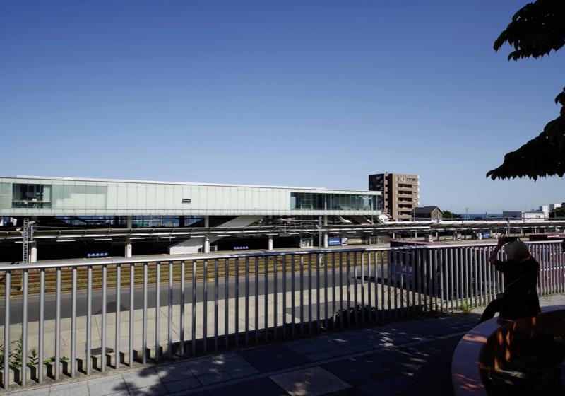海の見える駅らしくない駅、日立駅