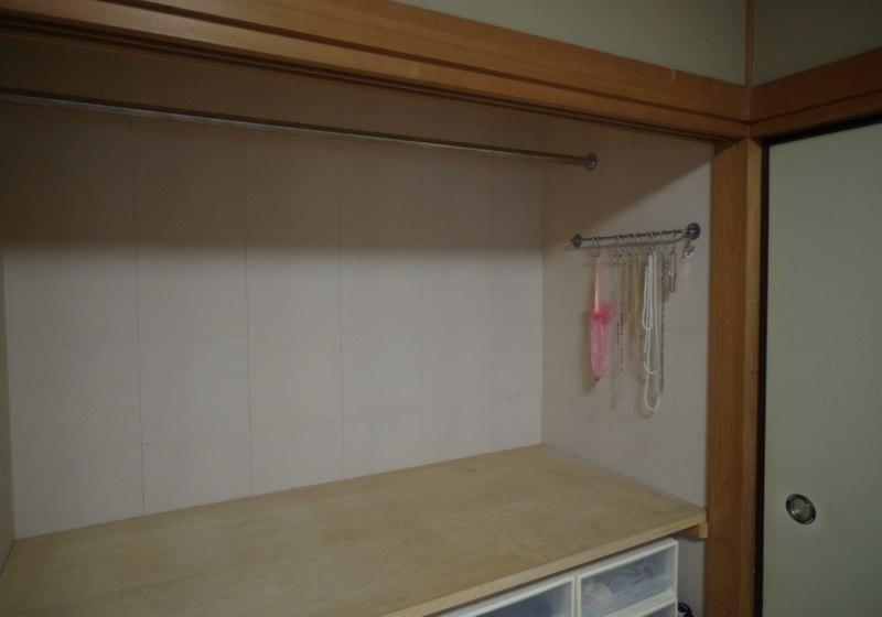 ライフスタイルに合わせて便利に使う、リビング脇の和室押入