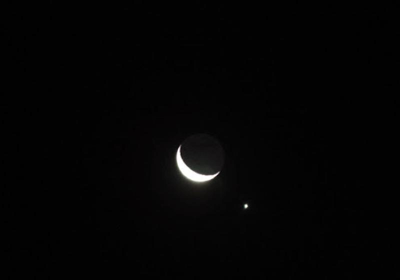 父と息子と細い月と明けの明星と