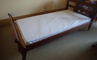 ひとりひとりに合わせた、ベッドまわりの工夫