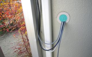 同軸ケーブル貫通のための外壁穴あけ