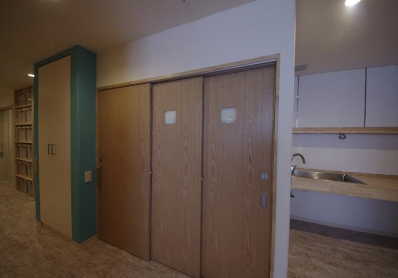 トイレチェアーでの利用を想定した、リビング内トイレ