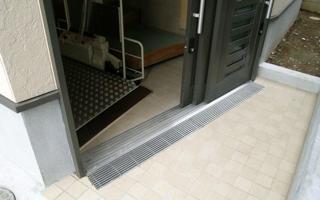 3枚引き戸と段差リフトの、便利な組み合わせ