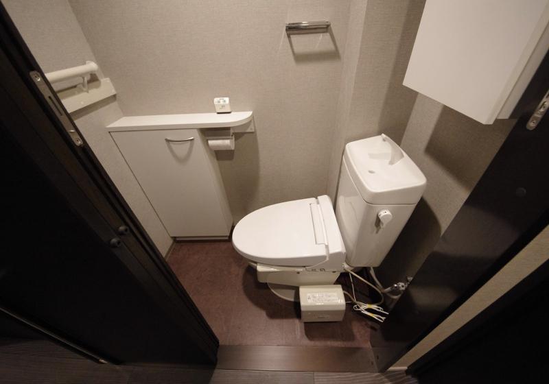 マンション選びのポイントは「横向きトイレ」