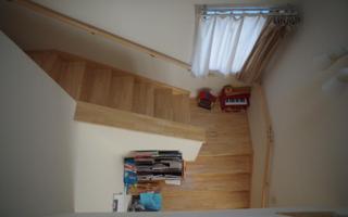 階段は、ふたつの居場所を行き来する『道』