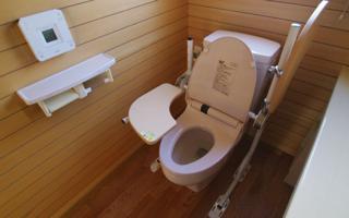 トイレのバリアフリーは「子どもさんにとって良い姿勢に」