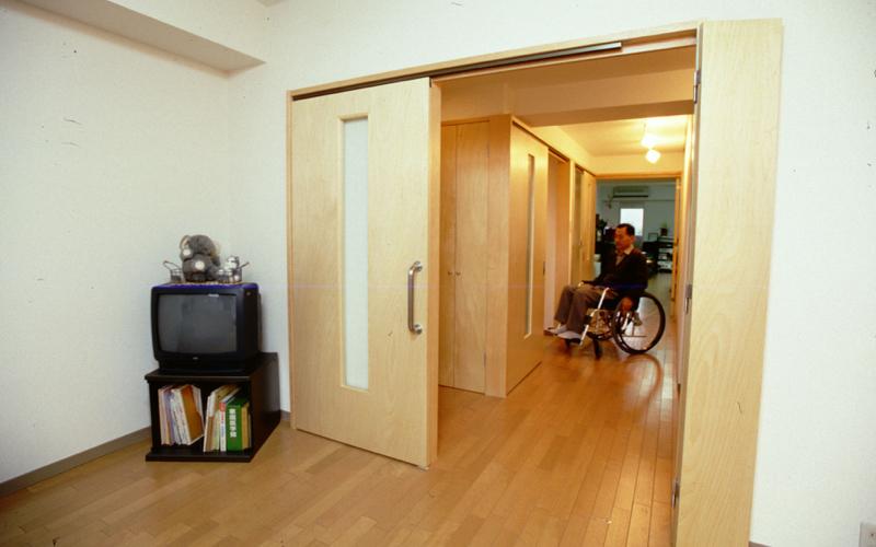 必車いすを想定したマンションリフォーム