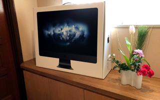我が家に「iMac ( 27-inch)」がやってきた、サンタさんはいました!
