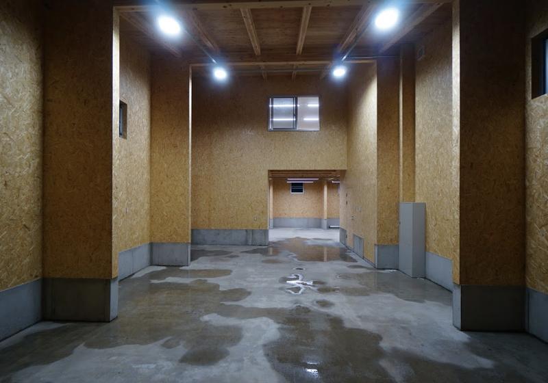 Osb合板貼り放し 安価な材料に命を吹き込む木工事 9853 アニティ