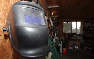 インナーガレージ天井に、H鋼を取り付け