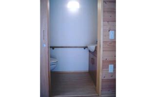トイレ(2)- 新築時は広いスペース確保を