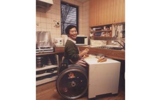 台所(4)- 車いすにはコの字形が便利