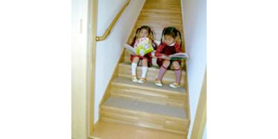 階段(2)- 幅を広く傾斜はゆったりと